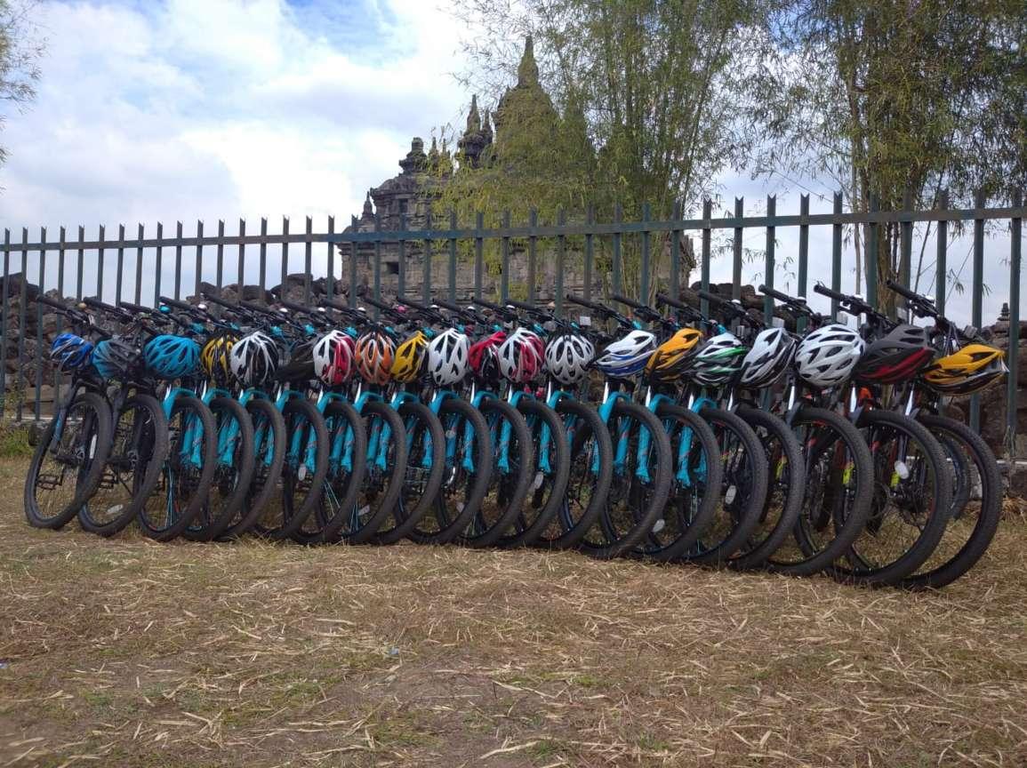 tour sepeda prambanan